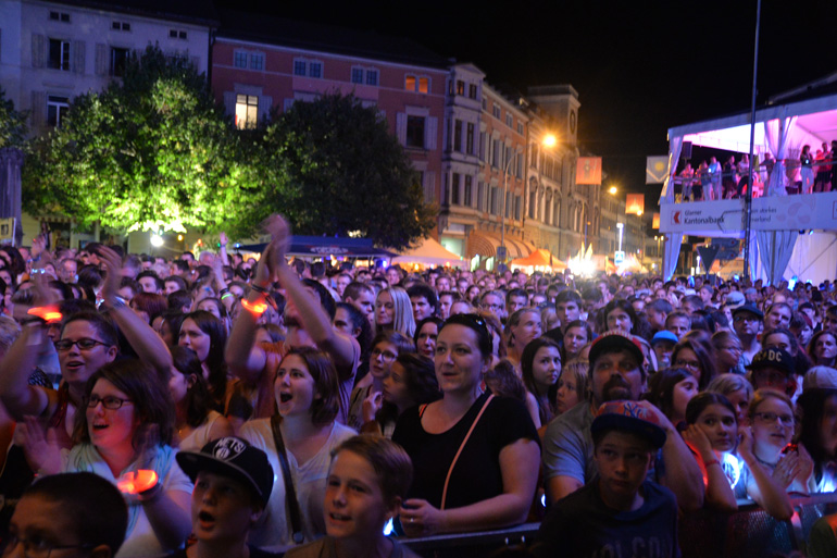 Live-Sound in Glarus auf dem City-Platz am GLKB Sound of Glarus 2016