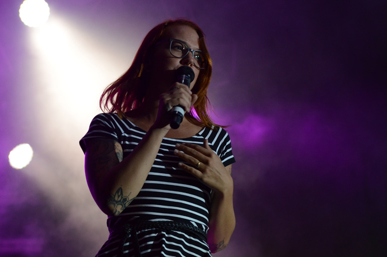 Live-Sound von Stefanie Heinzmann in Glarus auf dem City-Platz am GLKB Sound of Glarus 2016